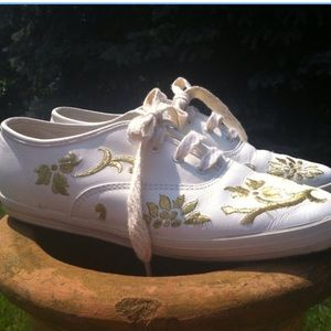 Vtg white and gold leather keds 7.5